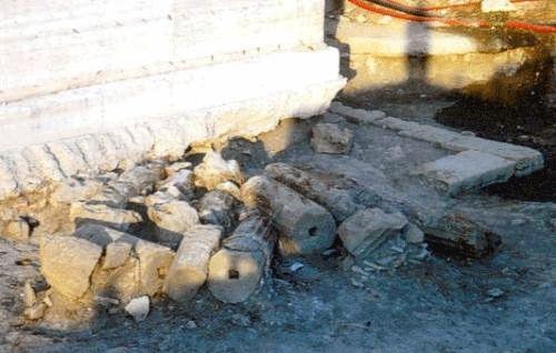 Resti di colonne nei pressi dello Stadio di Crotone