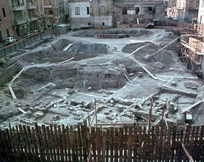 Crotone, scavo per la costruzione di Palazzo Messinetti