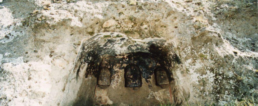 Caccuri, Grotta affrescata della Timpa dei Santi